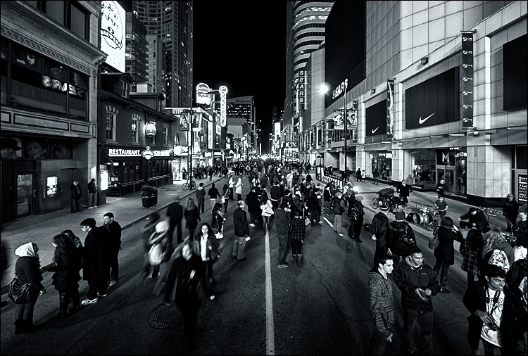 Nuit Blanche Toronto / Courtesy of Sam Javanrouh/Flickr
